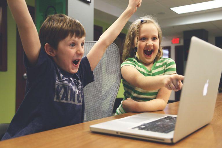 プログラミングができる子どもたち